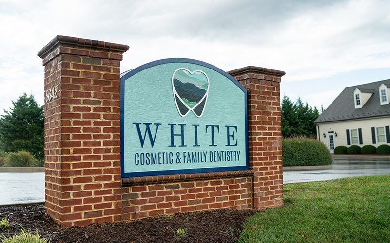 White Cosmetic & Family Dentistry sign